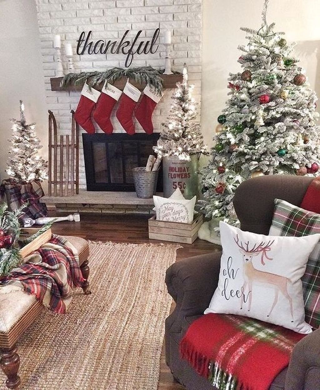 08Rustic Christmas Design Ideas For Your Apartment Décor To Try