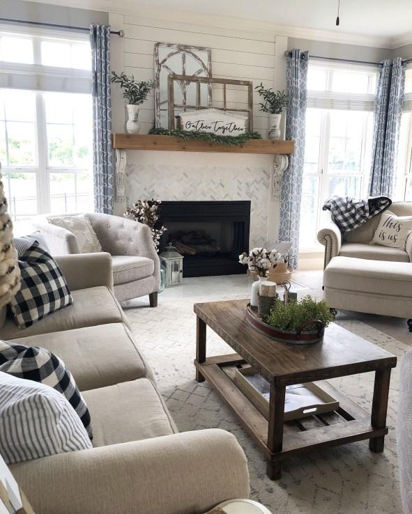 Admiring Living Room Design Ideas To Enjoy The Fall 37