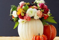 Admiring White And Orange Pumpkin Centerpieces Ideas For Halloween 24