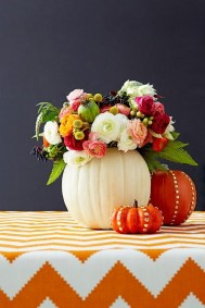 Admiring White And Orange Pumpkin Centerpieces Ideas For Halloween 24