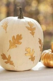 Admiring White And Orange Pumpkin Centerpieces Ideas For Halloween 27
