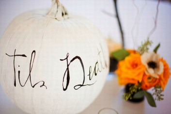 Admiring White And Orange Pumpkin Centerpieces Ideas For Halloween 37