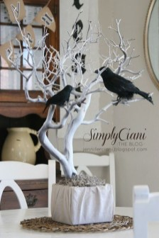 Best Halloween Party Décor Ideas For Dining Table 12
