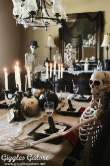 Best Halloween Party Décor Ideas For Dining Table 23