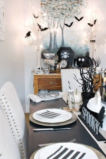 Best Halloween Party Décor Ideas For Dining Table 28