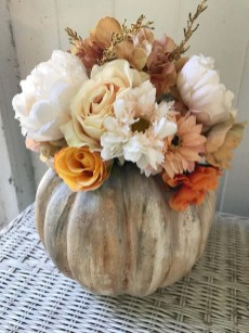 Creative Diy Decor Ideas To Welcome Autumn That Looks Cool 38