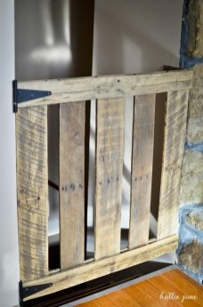 Cute Home Decor Ideas With Wooden Pallet That Looks Amazing 12