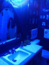 Delightful Halloween Decorating Ideas For Your Bathroom 14