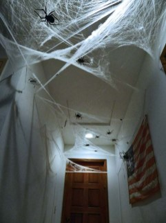 Delightful Halloween Decorating Ideas For Your Bathroom 17