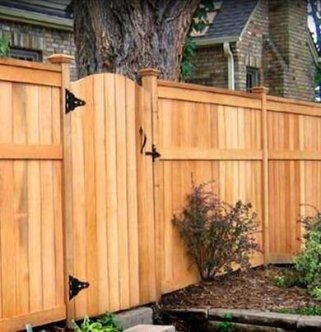 Extraordinary Front Yard Fence Design Ideas With Wood Material For Small House 17
