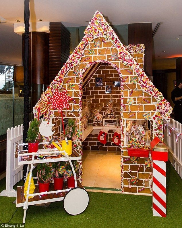 Fantastic Diy Gingerbread House Ideas For Your Décor To Try Asap 04