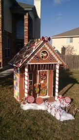 Fantastic Diy Gingerbread House Ideas For Your Décor To Try Asap 37
