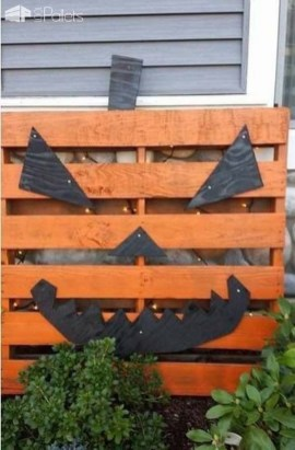 Favored Halloween Diy Pallet Outdoor Decor Ideas To Inspire You 17