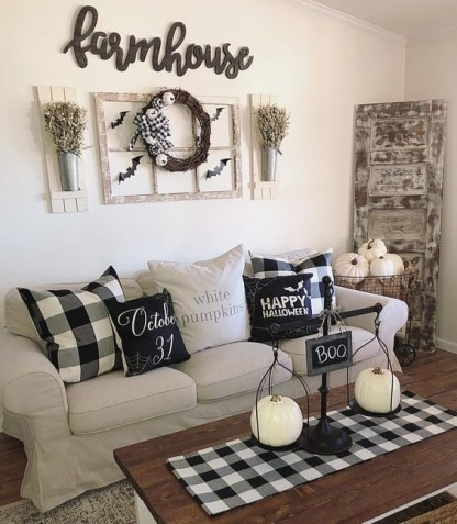 Relaxing Diy Halloween Living Room Decoration Ideas To Try 19
