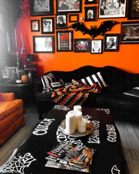 Relaxing Diy Halloween Living Room Decoration Ideas To Try 39