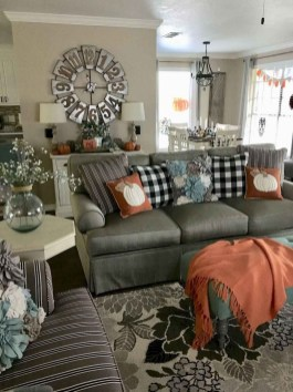 Relaxing Diy Halloween Living Room Decoration Ideas To Try 40