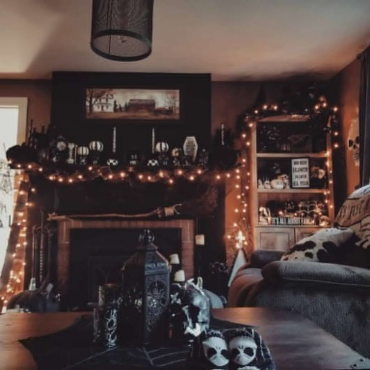 Relaxing Diy Halloween Living Room Decoration Ideas To Try 49