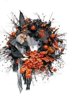 Splendid Wreath Designs Ideas For Front Door To Welcome Halloween 14