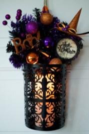 Splendid Wreath Designs Ideas For Front Door To Welcome Halloween 22
