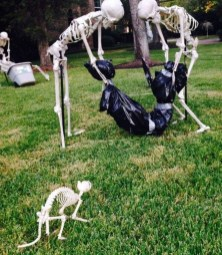 Superb Front Yard Halloween Decoration Ideas To Try Asap 02