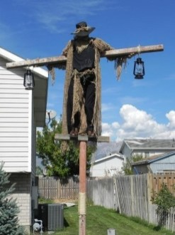 Superb Front Yard Halloween Decoration Ideas To Try Asap 28