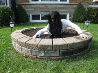 Superb Front Yard Halloween Decoration Ideas To Try Asap 29