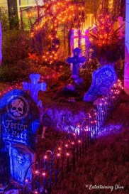 Superb Front Yard Halloween Decoration Ideas To Try Asap 41