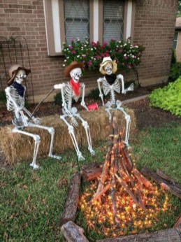 Superb Front Yard Halloween Decoration Ideas To Try Asap 50