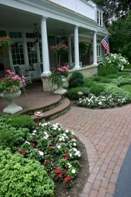 Amazing Yard Landscaping Design Ideas That You Must See 26