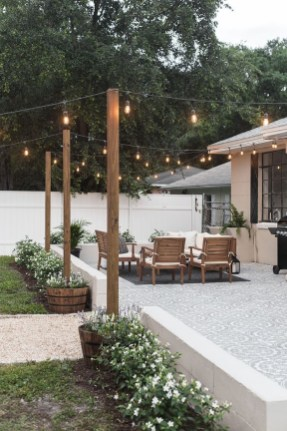 Awesome Backyard Landscaping Design Ideas For Your Home 15