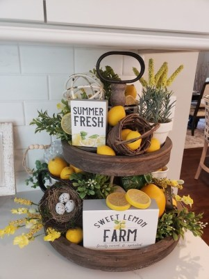 Awesome Summer Decor Ideas With Rustic Farmhouse Style To Try Asap 33