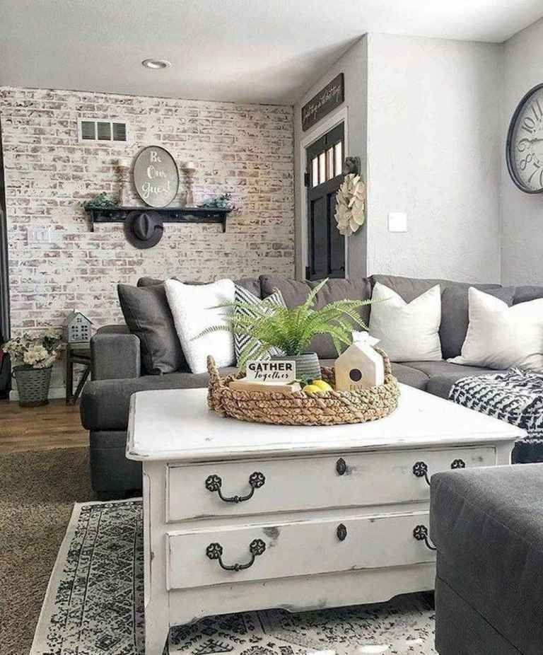 Comfy Farmhouse Living Room Decor Ideas That You Need To See 21