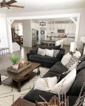 Comfy Farmhouse Living Room Decor Ideas That You Need To See 26