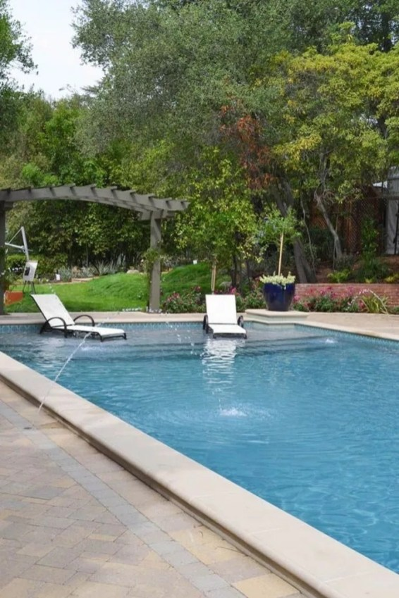 Comfy Pool Decoration Ideas For Your Backyard To Have 37