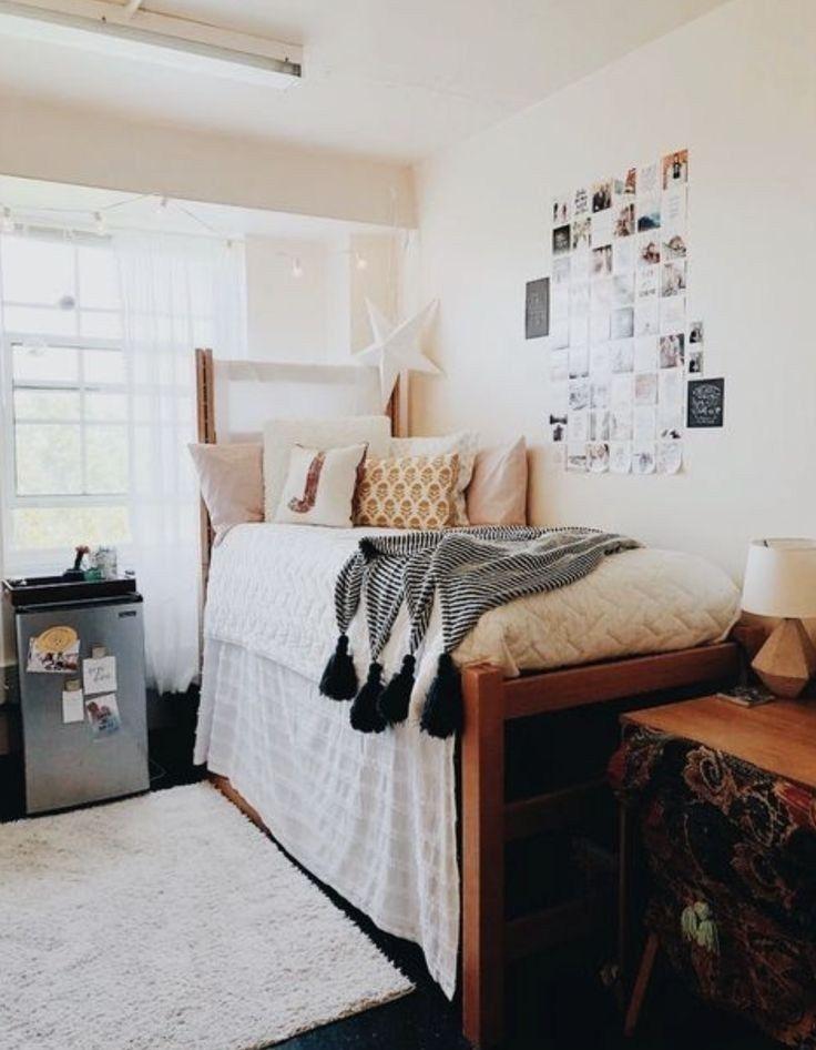 Elegant College Dorm Room Design Ideas That Suitable For You 06