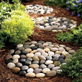 Hottest Diy River Rocks Design Ideas For Summer Garden 45