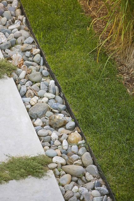 Pretty Lawn Edging Design Ideas For Your Yard To Try 18