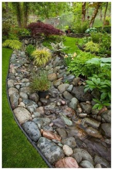 Pretty Lawn Edging Design Ideas For Your Yard To Try 19