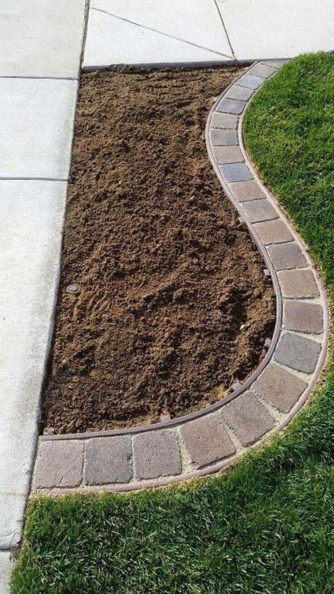 Pretty Lawn Edging Design Ideas For Your Yard To Try 27