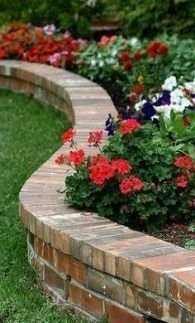 Pretty Lawn Edging Design Ideas For Your Yard To Try 34