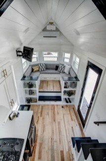 Relaxing Tiny House Makeovers Design Ideas With Farmhouse Style 32