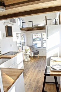 Relaxing Tiny House Makeovers Design Ideas With Farmhouse Style 38