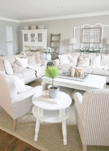 Splendid Living Room Décor Ideas For Spring To Try Soon 28