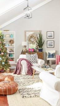 Affordable Colorful Living Christmas Décor Ideas That Suitable For You 02