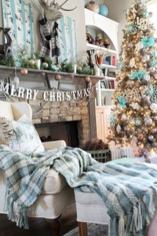 Affordable Colorful Living Christmas Décor Ideas That Suitable For You 05