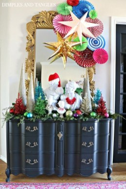 Affordable Colorful Living Christmas Décor Ideas That Suitable For You 08