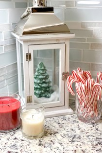 Affordable Colorful Living Christmas Décor Ideas That Suitable For You 32