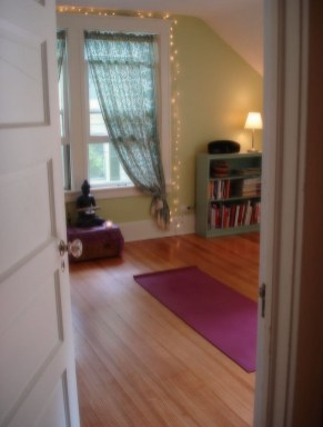 Best Yoga Room Design Ideas For Life Better And More Healthy 08