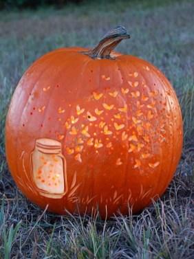 Cozy Pumpkin Carving Design Ideas You Can Do Yourself 35