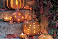 Cozy Pumpkin Carving Design Ideas You Can Do Yourself 43